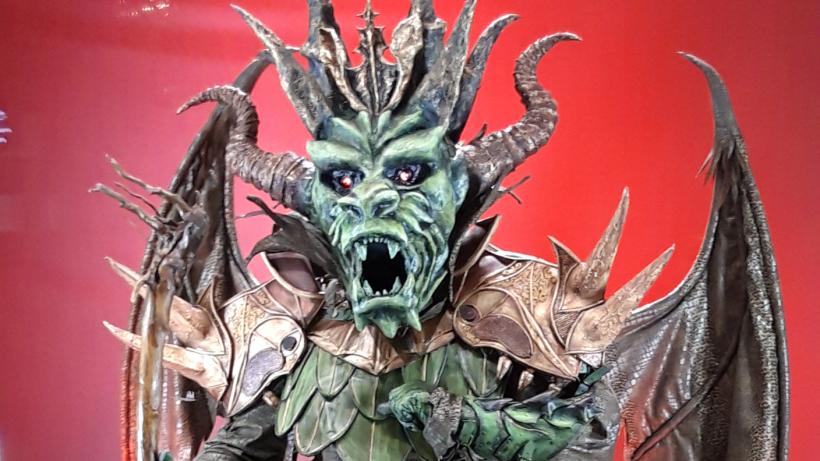 Drache Masked Singer