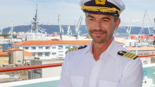 Schlagerstar Florian Silbereisen als Traumschiff-Kapitän Max Parger.