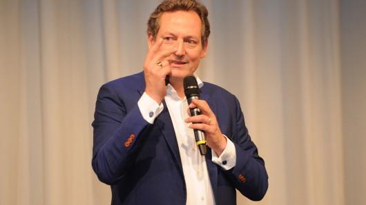Eckart von Hirschhausen während eines Live-Auftrittes (Symbolbild).