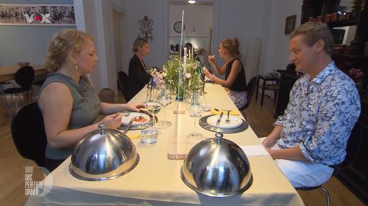 """Bei """"Das perfekte Dinner"""" am Donnerstag ist Gast André aus einem bestimmten Grund plötzlich besonders schweigsam."""