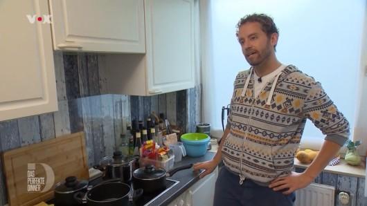 Das perfekte Dinner: Gastgeber Julien kocht ein südafrikanisches Essen.