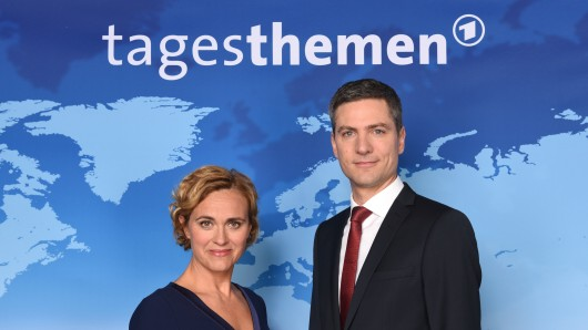 """Die """"Tagesthemen""""-Moderatoren Caren Miosga und Ingo Zamperoni."""