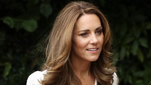 Kate Middleton hat als Herzogin strenge Regelen zu befolgen. Sie darf nicht mehr mit dem Hund Gassi gehen.