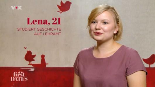 First Dates: Lena kommt aus Koblenz und sucht einen Freund.