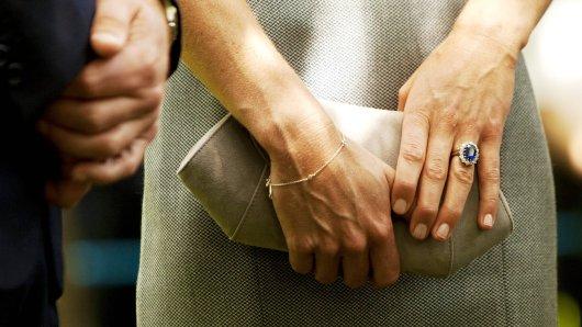 das Familienerbstück an Kates Finger hat eine besondere Geschichte.