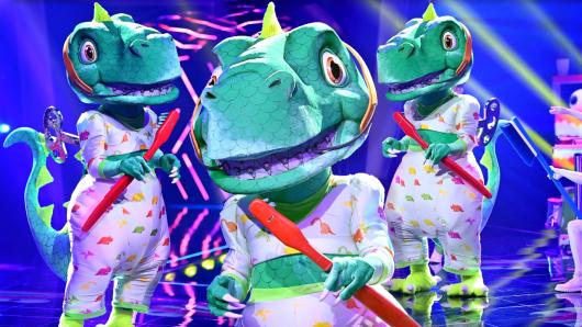 """""""Der Dinosaurier"""" bei """"The Masked Singer"""" ist auf jeden Fall ein echter Entertainer."""