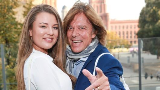 Die Tochter von Jürgen Drews fasst langsam, aber sicher Fuß in der Musikbranche. Uns hat Joedy verraten, wieso sie aber keinen Schlager singen möchte.