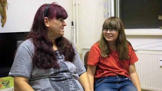 Petra hofft, dass ihre 15-jährige Tochter Selina endlich Anschluss finden kann.