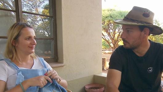 Anna und Gerald Heiser entdecken einen unerwünschten Gast in ihrem Haus.