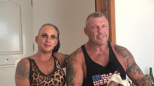 """Die """"Goodbye Deutschland""""-Stars Caro und Andreas Robens müssen ihr beliebtes """"Iron Diner"""" auf Mallorca jetzt leider schließen."""