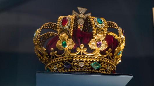 """Du hast noch nicht genug von """"The Crown""""? Dann wartet nun die nächste Royls-Serie auf dich."""
