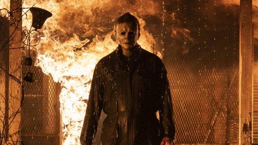 """""""Halloween Kills"""": Michael Myers mordet wieder auf der Kinoleinwand."""
