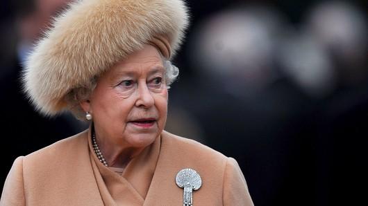 Queen Elizabeth II. wurde ins Krankenhaus gebracht.