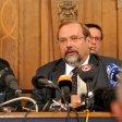 Veranstalter Rainer Schaller und Ex-OBerbürgermeister Adolf Sauerland müssen sich nach der Katastrophe auf einer Pressekonferenz äußern.