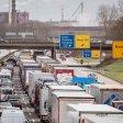 Die Straßen an Rhein und Ruhr sind am Montagmorgen ordentlich voll (Symbolbild)