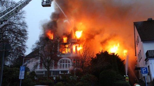 Die Villa brannte lichterloh.