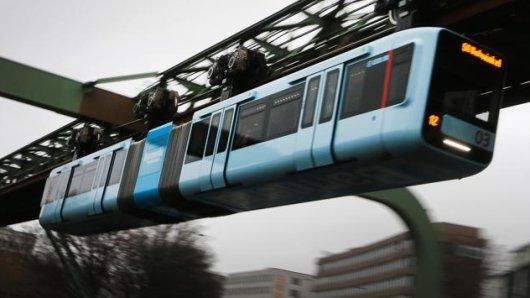 Die ersten Bilder der neuen Schwebebahn-Wagen in Wuppertal.