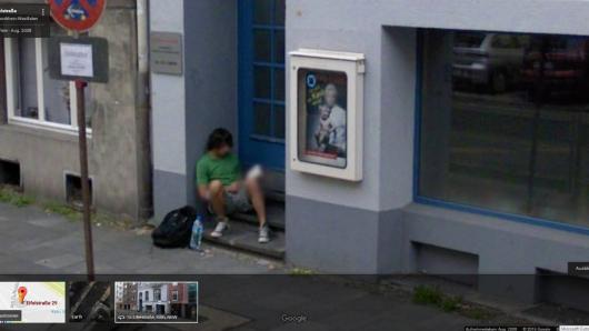 Wer bei Google Street View nach der Kölner Eifelstraße sucht, stößt auf Thomas Broich.