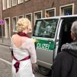 Die Polizei eskortierte am Samstag Brautpaare durch Köln.