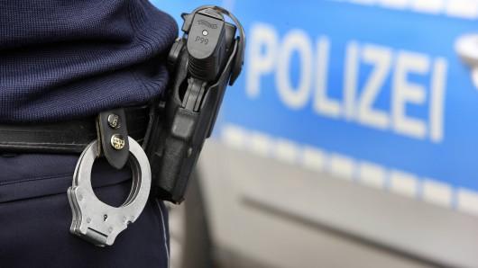 In Aachen schoss eine Polizistin auf eine Frau (45). (Symbolbild)
