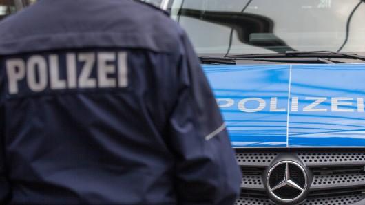 In Bottrop hat die Polizei heute zwei Leichen in einer Garage entdeckt.
