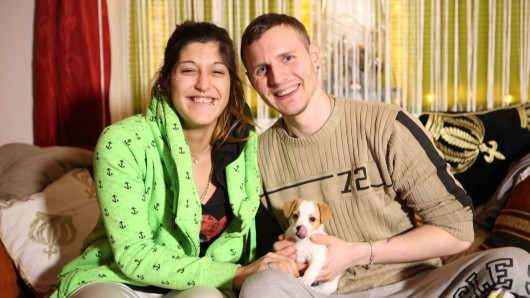 Angie und Sascha aus Solingen. RTL2 begleitet das Paar in der Sendung Armes Deutschland.