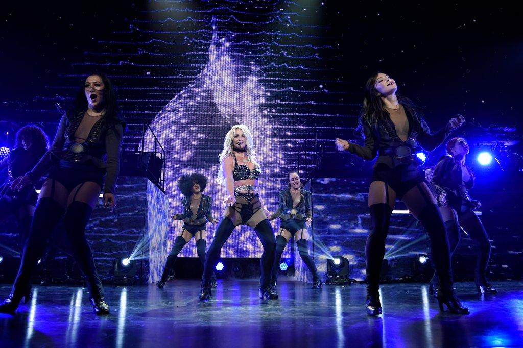 BritneySpearsInMonchengladbachWieEineBestOfCdMitTanzeinlageRegionDerwestenDe