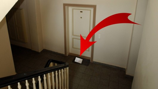 Thomas C. fand einen mysteriösen Brief vor seiner Wohnungstür. (Symbolfoto)