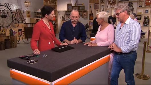 Wendela Horz bewertet das Armband von Gisella Pasetti.