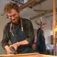 """Thomas Klotz macht in der RTL-Sendung """"Schätze aus Schrott"""" vermeintlichen Müll zu Unikaten."""