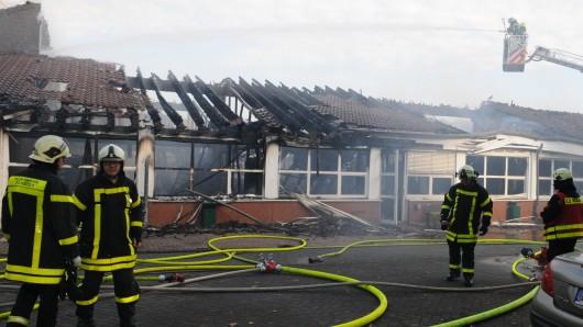 Sehr schnell war klar, dass ein großer Teil des Gebäudekomplexes nicht mehr zu retten war.