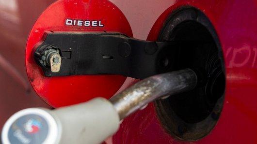 Seit Freitag pendelt sich der Dieselpreis an Markentankstellen im Münsterland auf durchschnittlich 1,32 Euro ein.