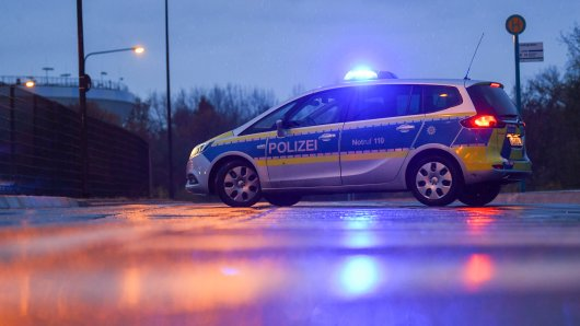 In Rheine lag ein Mann betrunken auf dem Gehweg, als er offenbar ein Verbrechen beobachtete.