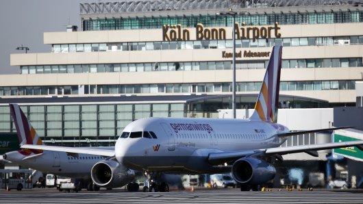 Terminal 1 des Flughafen Köln/Bonn wird im Rahmen einen Polizeiübung in der Nacht vom 20.11.-21.11. abgesperrt. Der Flugverkehr wird währenddessen über Terminal 2 ablaufen. (Symbolfoto)