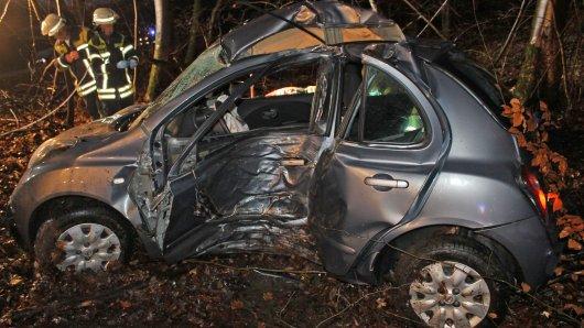 In Halver starb eine Frau (26), als sie gegen einen Baum prallte.