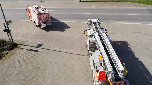 Die Feuerwehr konnte eine Frau aus ihrer Wohnung nur noch tot bergen.