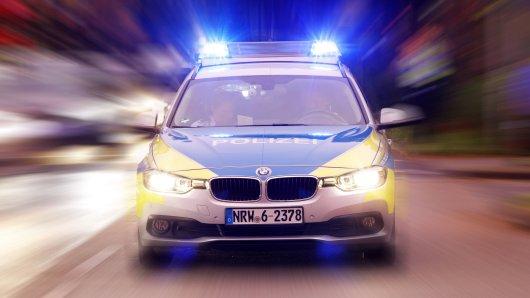 Als die 14-jährige Fahrerin das Polizeiauto erblickte, bekam sie es wahrscheinlich mit der Angst zu tun und versuchte zu fliehen. (Symbolfoto)