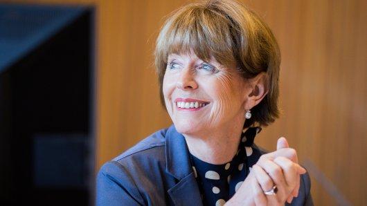 Bei einer Rede in der Kölner Lanxess-Arena hat sich die Oberbürgermeisterin einen fürstlichen Fauxpas geleistet.