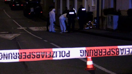 Die Polizei ermittelt nach dem Fund einer Leiche in Wuppertal.