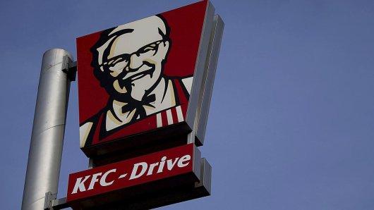 Ekel-Alarm an einem Kentucky Fried Chicken an der A1 bei Kamen.