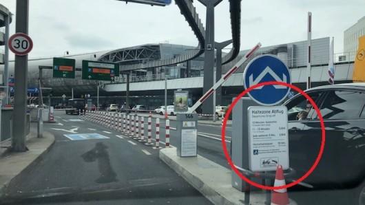 Am Flughafen Düsseldorf gibt es Kurzzeitparkzonen namens Kiss & Fly.