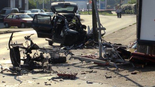Keiner von den drei Insassen überlebte den schweren Unfall.