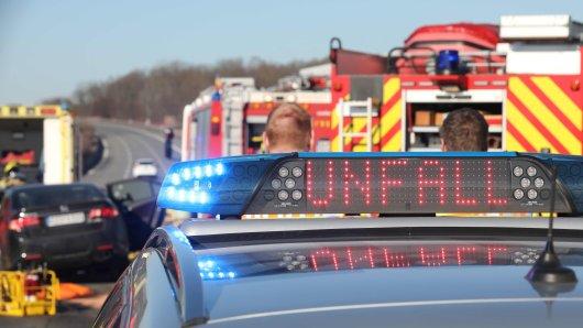 Nach einem Unfall muss die A52 m Montagmorgen gesperrt werden. (Symbolbild)