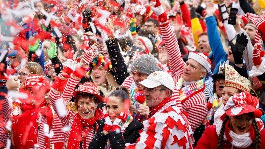 Während die einen in Köln feiern, erleben vier Personen ein traumatisches Erlebnis.