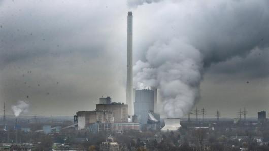 """NRW: Jahrelang wurden giftige Schwermetalle als """"Petrolkoks"""" verkauft und u.a. im Steag-Kohlekraftwerk in Herne verbrannt. (Symbolbild)"""