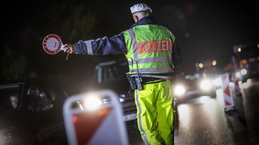 Die Polizei hat einen Albaner kurz nach dessen Einreise aus den Niederlanden nach Deutschland kontrolliert – und wurden fündig! (Symbolfoto)