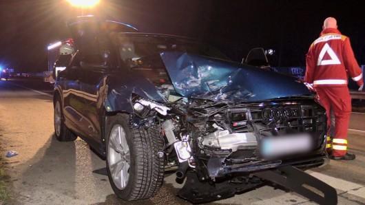 Auf der A59 kam bei einem Spurwechsel zu einem Zusammenstoß zwischen einem VW und einem Audi.