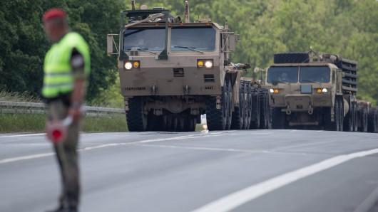 US-Truppen fahren durch das Ruhrgebiet gen Osten. (Archiv)