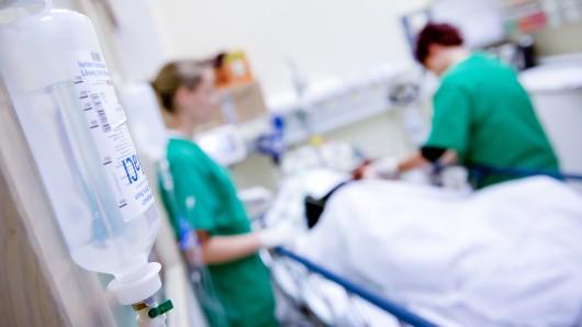 Eine junge Frau wollte in Herne im Marien Hospital ein Praktikum machen. Sie wurde abgelehnt. (Illustration)