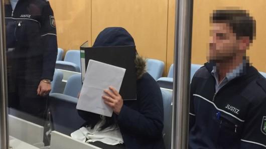 Carla S. zog es mit ihren Kinder zum IS, nun muss sie sich in Düsseldorf vor Gericht verantworten